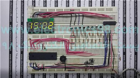 ساخت ساعت دیجیتال با قابلیت تعین زمان هشدار و نمایش تاریخ در سون سگمنت توسط میکروکنترلر AVR